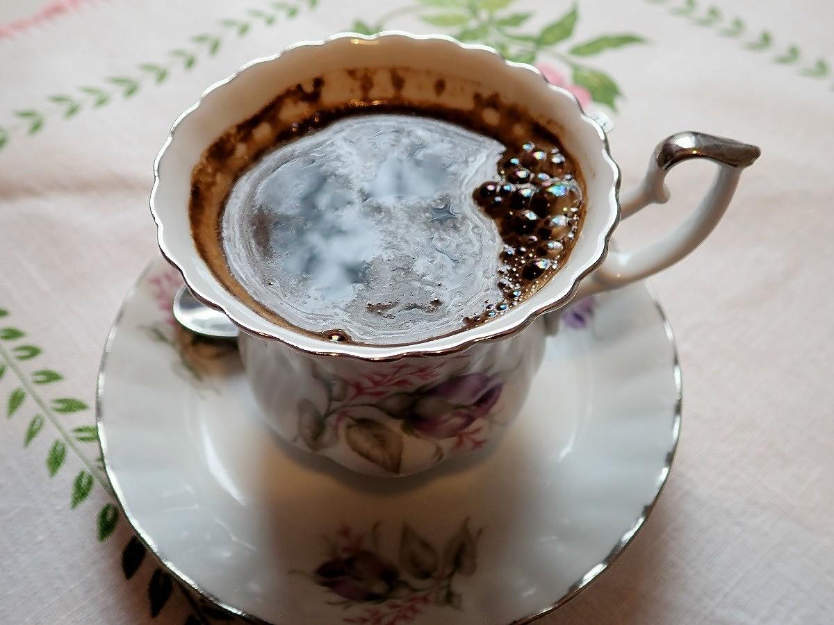 Taka ilość kawy może zabić. To bardzo dużo, ale kofeina jest też w innych produktach...