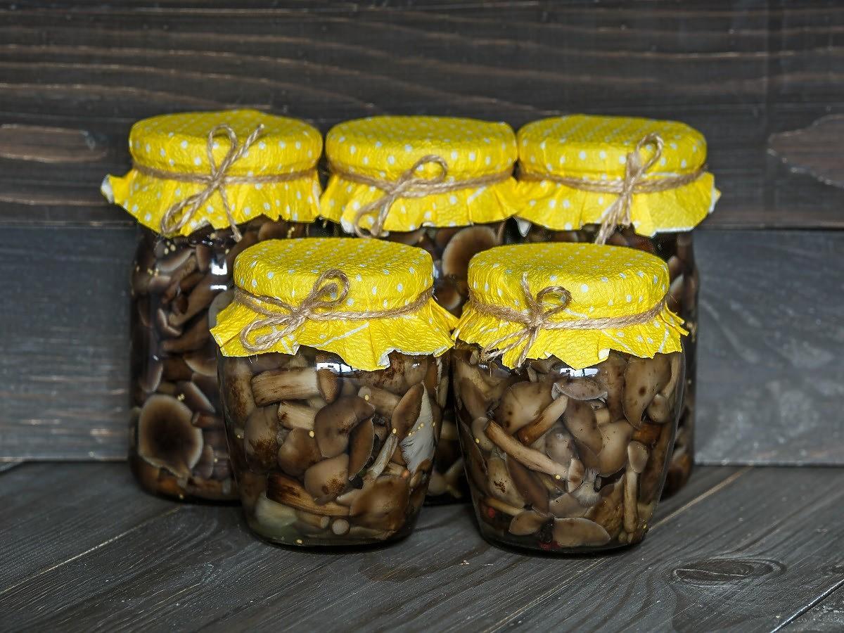 Unikacie octu? Oto jak zrobić dobra zalewę do grzybów bez niego.