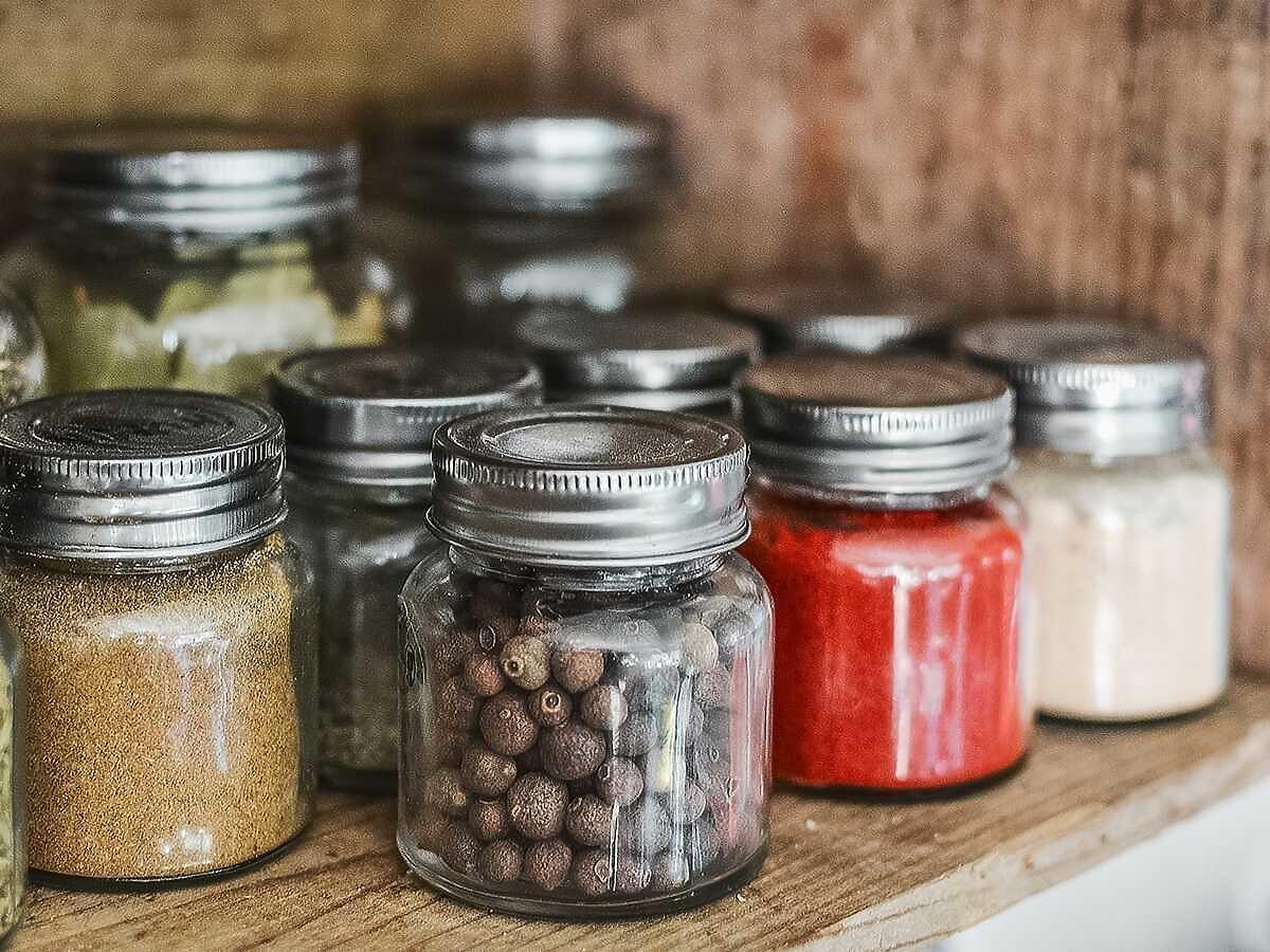 Używacie w kuchni tej przyprawy? Jest pełna groźnego dla zdrowia mikroplastiku
