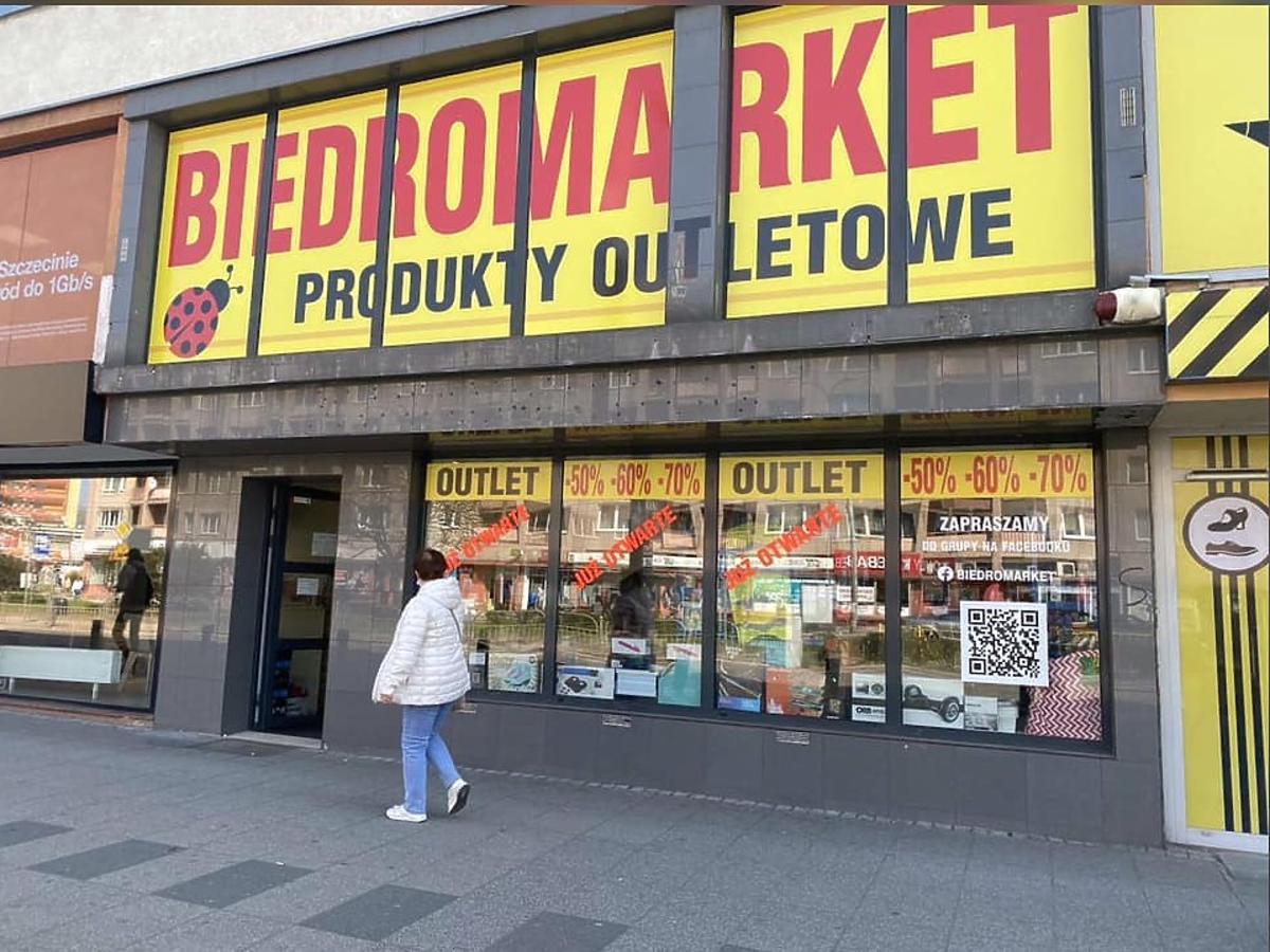 W Szczecinie otwarto Biedromarket. Czym różni się od klasycznej Biedronki? Będziecie w szoku!
