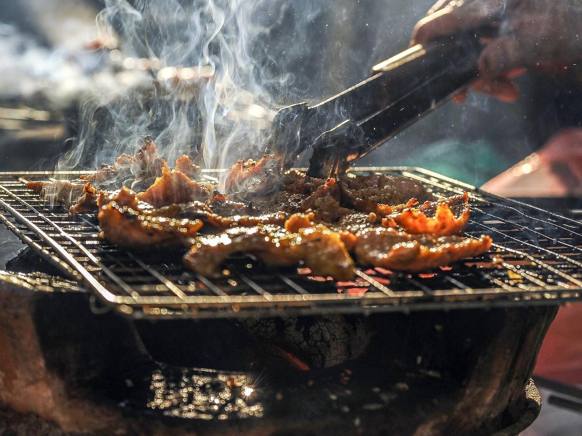 W tym mieście zakazano grillowania. Co grozi za rozpalenie grilla?