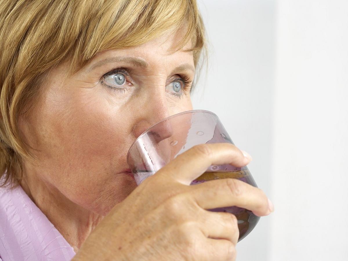 Wiele osób pije ten napój dla orzeźwienia. Musicie zachować ostrożność