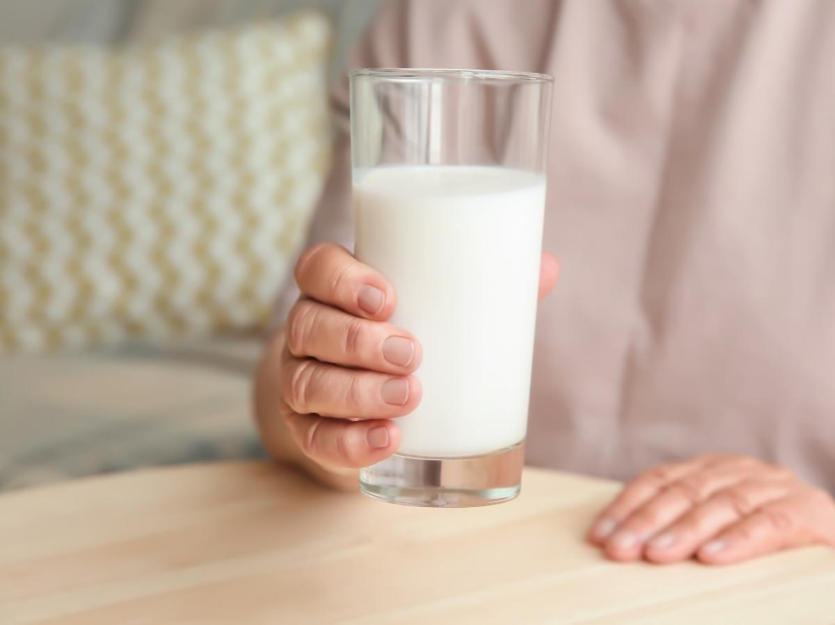Więzienie za podanie mężowi mleka? 55-latce z Kurowa grozi dożywocie
