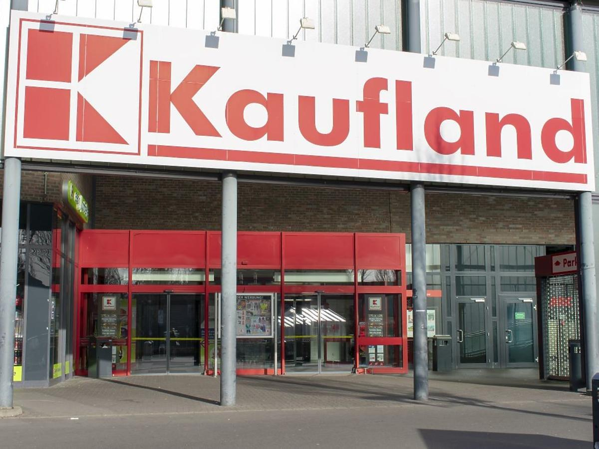 Wszystkie sklepy Kaufland będą czynne w niedziele. Zakaz handlu martwym przepisem?