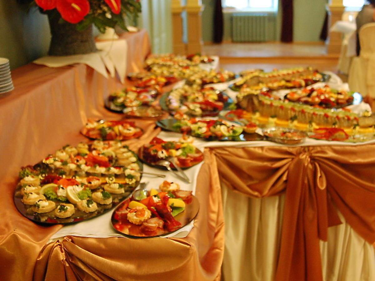 Wybralibyście się na wesele bez alkoholu, mięsa i dzieci? Nowy trend zdobywa popularność w miastach