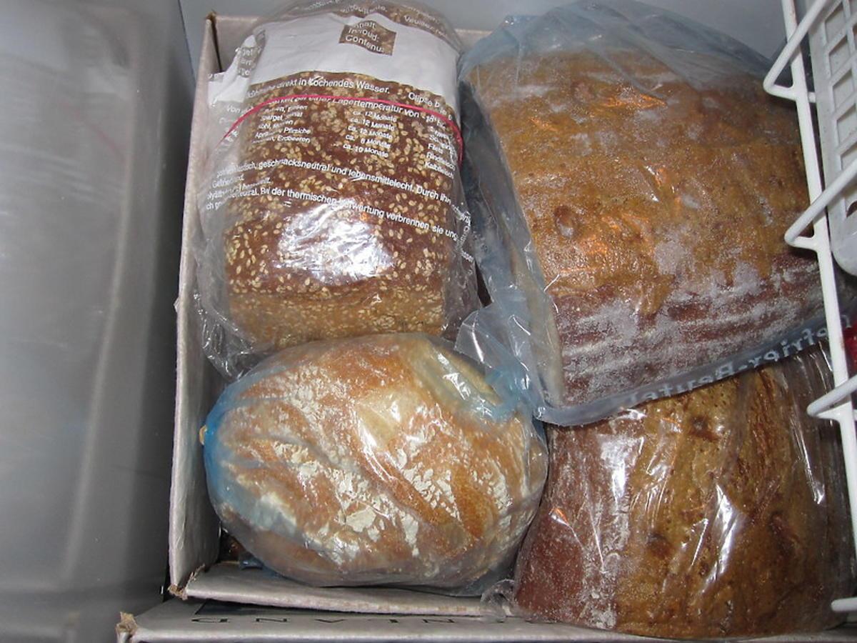 Zostało wam po świętach pieczywo? Oto proste sposoby na odświeżenie czerstwego chleba