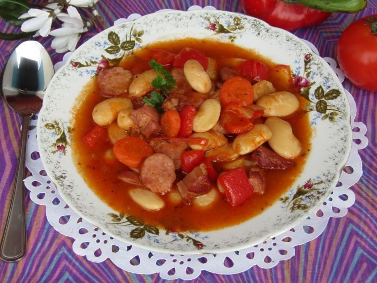 zupa fasolowa z kiełbasą przepis
